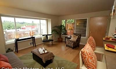 Living Room, 5014 39th Ave S, 1