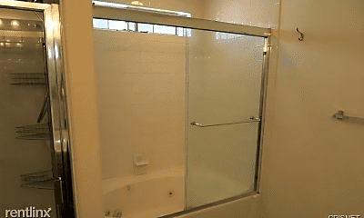 Bathroom, 17726 Kinzie St, 2