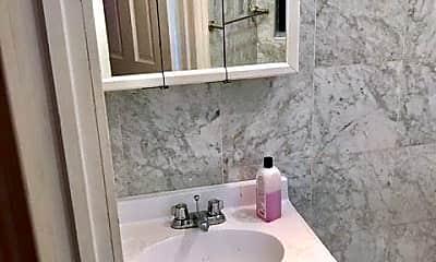 Bathroom, 27 Morton St, 2