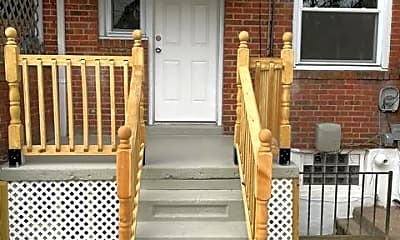 Patio / Deck, 712 Middlesex Rd, 2
