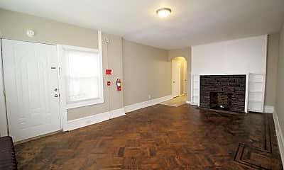 Living Room, 5607 N Park Ave, 2