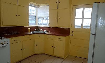 Kitchen, 4367 Varsity Ln, 1