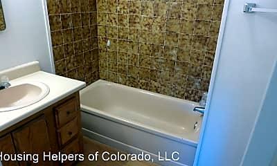 Bathroom, 560 S 40th St, 2