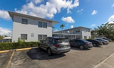 Building, 2435 Van Buren St 2A, 2