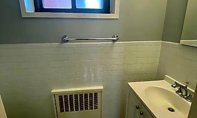 Bathroom, 81 Beacon Hill Dr 2A, 2