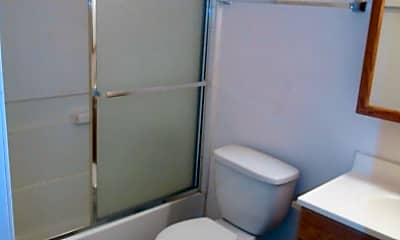 Bathroom, 155 Somerville Dr, 1