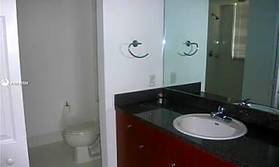 Bathroom, 115 SW 11th St, 1