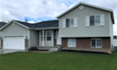 Building, 2332 S 2885 W, 1