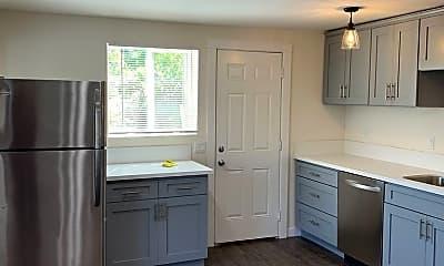 Kitchen, 810 N Bonnie Brae St, 1