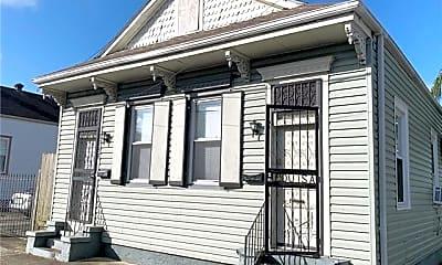 Building, 2756 Dumaine St, 0