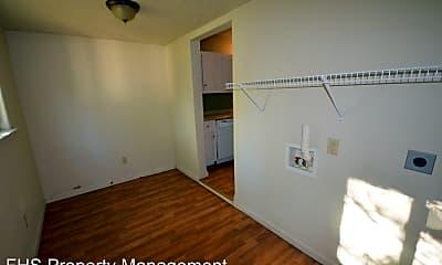Kitchen, 1034 W Elm St, 2