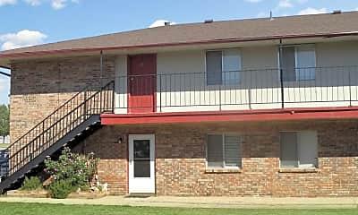 Oak Leaf Garden Apartments, 2