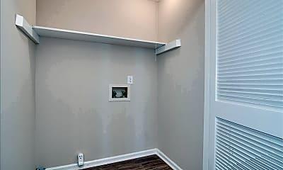 Bathroom, 940 Stevens Creek Rd, 2