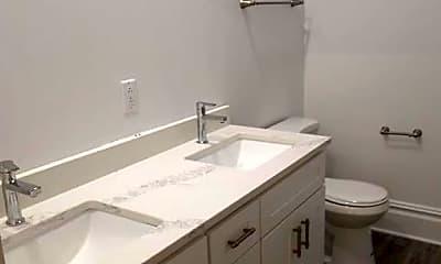 Bathroom, 421 University Ave, 2