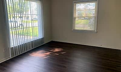 Living Room, 13840 Leonard Ave, 1
