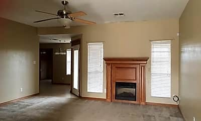 Living Room, 4423 SW Parkway Dr, 1
