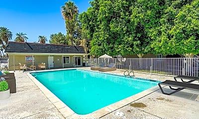 Pool, 82435 Requa Ave, 2
