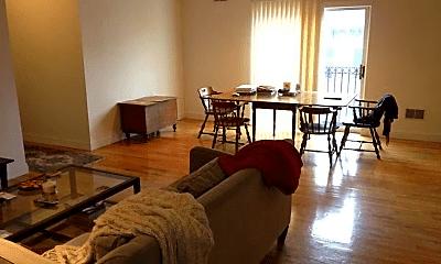 Living Room, 99 Madison St, 2