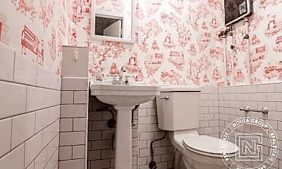 Bathroom, 273 Grand St, 2