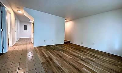 Living Room, 704 S Ferrall St, 1