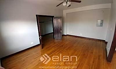 Bedroom, 4027 W Irving Park Rd, 2