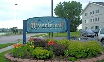 Riverfront, 0