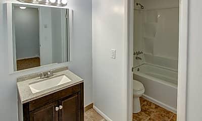 Bathroom, Perry Hill Estates, 2