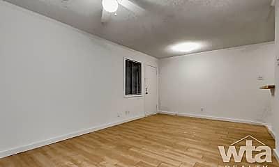 Living Room, 1515 Palma Plaza, 2