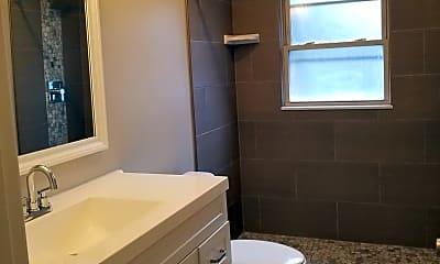 Bathroom, 1105 N Stephenson Hwy, 2
