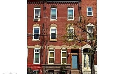 Building, 2311 E York St, 2