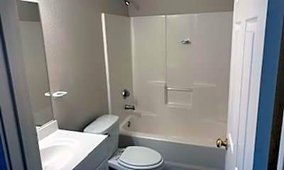 Bathroom, 3101 33rd St, 2