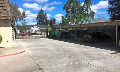 Patio / Deck, 110 E Grove St, 2