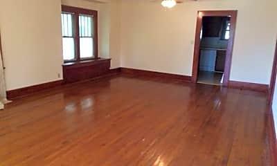 Living Room, 414 N Flood Ave, 1
