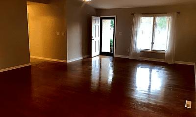 Living Room, 4536 S Fremont Ave, 1