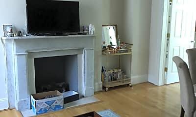 Living Room, 1318 Eutaw Pl, 1
