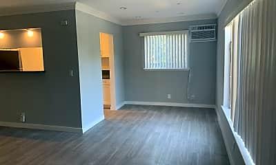 Living Room, 5315 Loma Linda Ave, 1