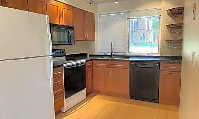 Kitchen, 2677 Juniper Ave, 1