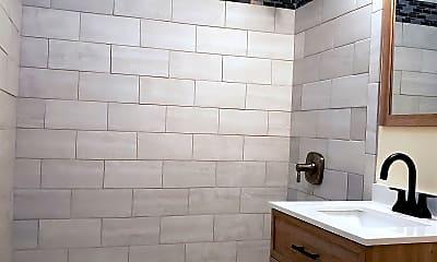 Bathroom, 68 Everard St, 2