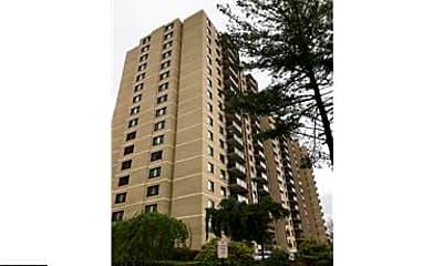 Building, 307 Yoakum Pkwy 520, 0
