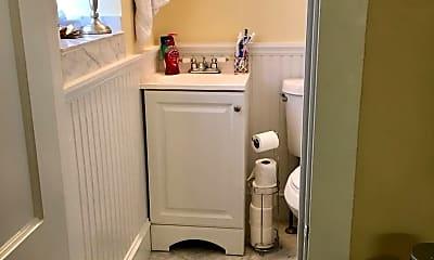 Bathroom, 331 S Smedley St, 2
