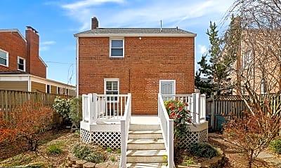 Building, 3833 17th Pl NE, 2