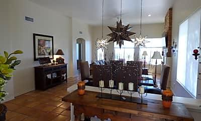 Living Room, 3926 E Calle Cayo, 1