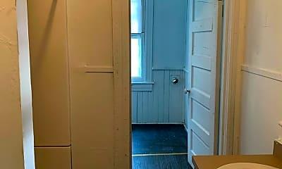 Bathroom, 1711 Floyd St, 2