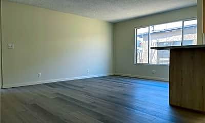 Living Room, 802 Monterey Blvd, 1