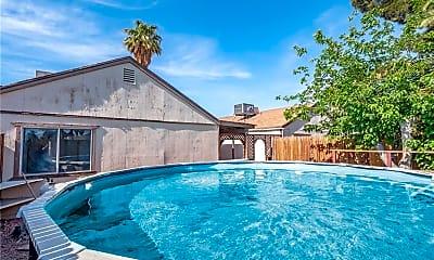 Pool, 5465 Requa Ave, 2
