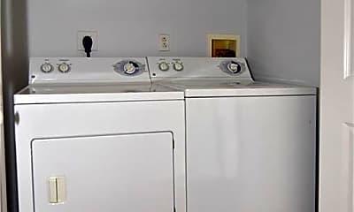 Bathroom, 1000 Providence Pl 442, 2