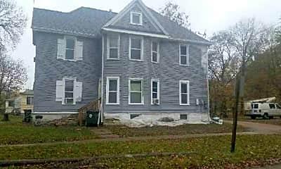 Building, 441 Cottage St, 1