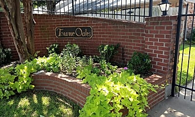 Town Oaks Townhomes, 1