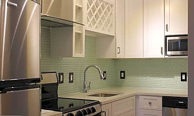 Kitchen, 6800 Fleetwood Rd 814, 0