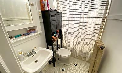 Bathroom, 730 5th St SW, 2